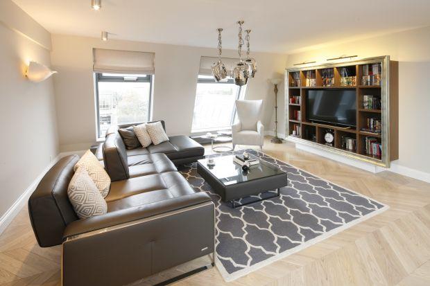 Dywan w salonie to świetny pomysł. Tym bardziej, że wybór mamy ogromny!Dziś podrzucamy Wam kilka fajnych inspiracji. Zobaczcie piękne salony z dywanami.