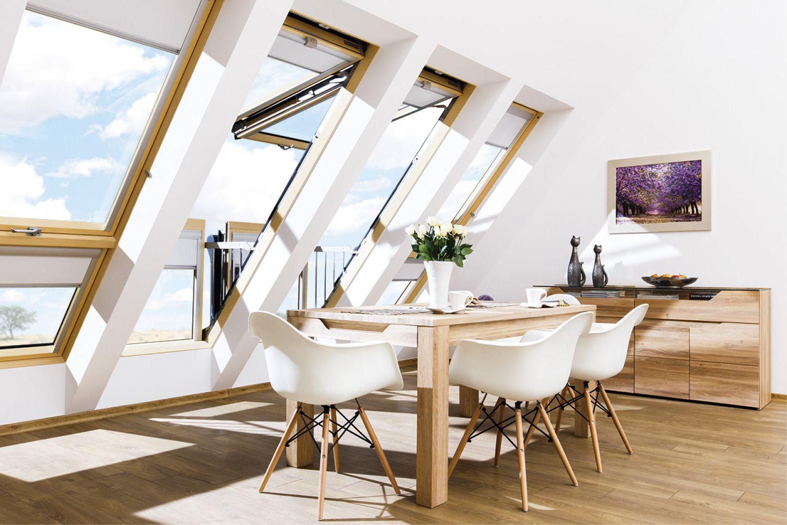 Standardowe okna obrotowe wypierane są przez bardziej nowoczesne, o wyższej funkcjonalności. Na zdjęciu: okno dachowe FGH-V. Fot. Fakro