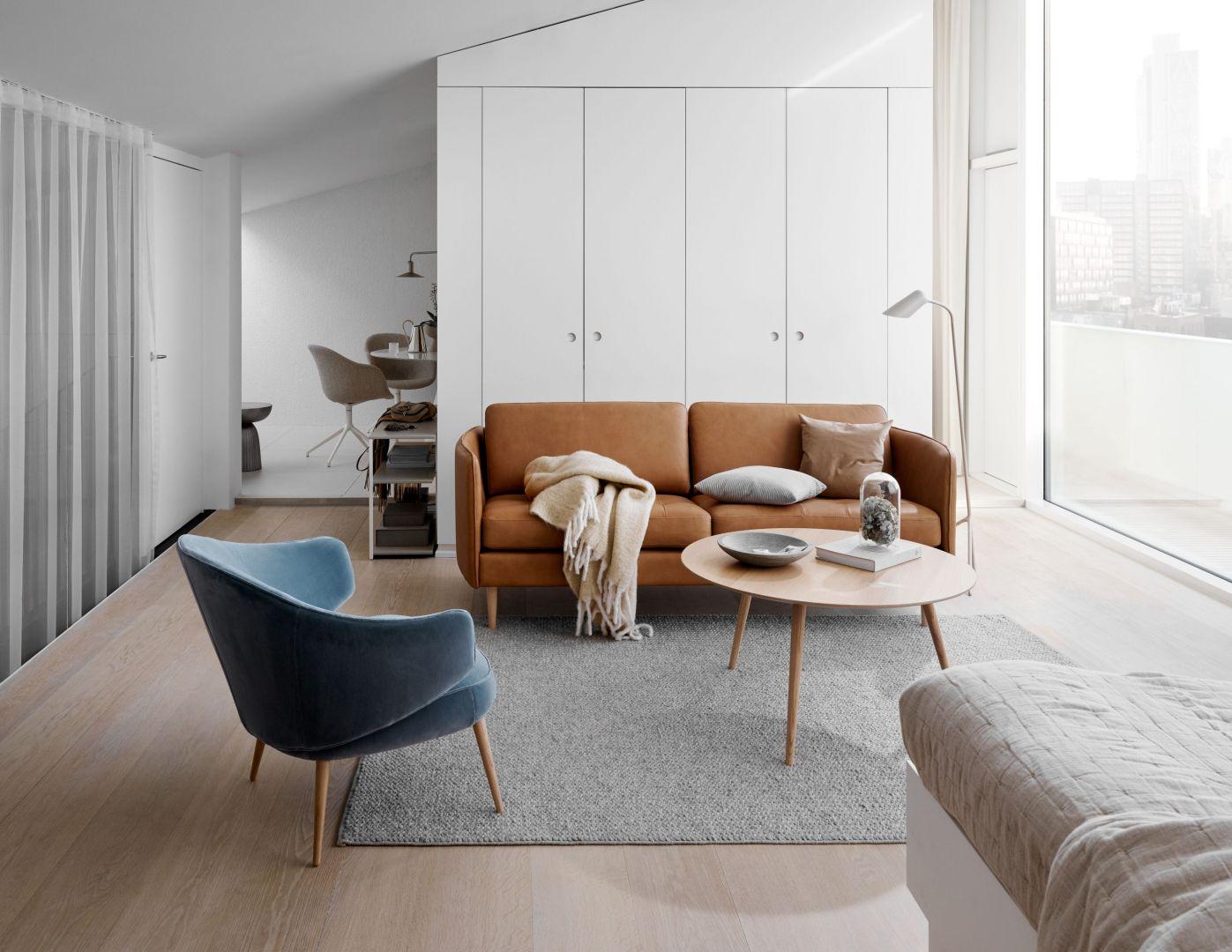 W stworzeniu uspokajającego, sprzyjającego wyciszeniu klimatu oraz spójnej wzorniczo przestrzeni pomocne będą fotele Charlotte i Dublin, sofa Ottawa, sofa i fotel Chelsea, łóżko Oxford, jadalnia i stoliki kawowe Madrid, a także nowe krzesło do jadalni Princeton i stół Kingston. Fot. BoConcept