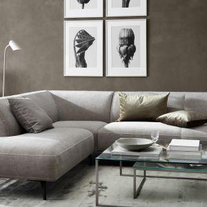 Poza przytulnością, otulającymi niczym kokon, miękkimi formami i kojącą kolorystyką barw ziemi, komfort domowego zacisza budują także rzemieślnicze detale. Fot. BoConcept