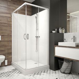 Po zdecydowaniu się na konkretny zestaw linii Basic Complete otrzymujemy w pełni funkcjonalną kabinę prysznicową z dopasowanym do niej brodzikiem, drążkiem oraz słuchawką prysznicową. Cena: od 3.442 zł. Fot. Sanplast
