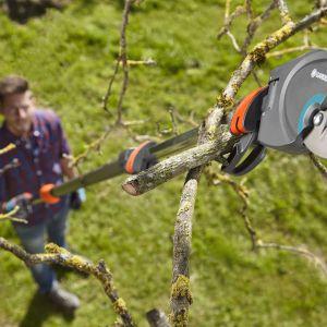 Nożyce do gałęzi i krzewów StarCut 410 plus dostępne w ofercie firmy Gardena. Cena: 377 zł. Fot. Gardena