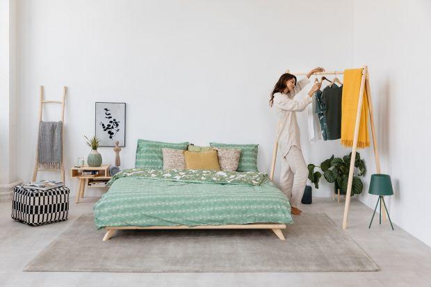 Jak urządzić piękną i modną sypialnię? Dziś proponujemy cztery modne style, które ułatwią aranżację wymarzonej sypialni. Naturalna, subtelna, skandynawska czy eklektyczna?