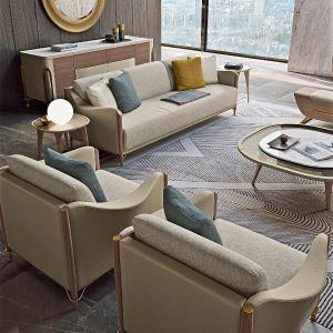 Sofy i fotele, których konstrukcja zewnętrzna pokryta skórą, zapraszają na miękkie poduszki, dające maksymalny komfort, dzięki podłokietnikom lekko wystającym na zewnątrz. Fot. Turri Meltinglight living room