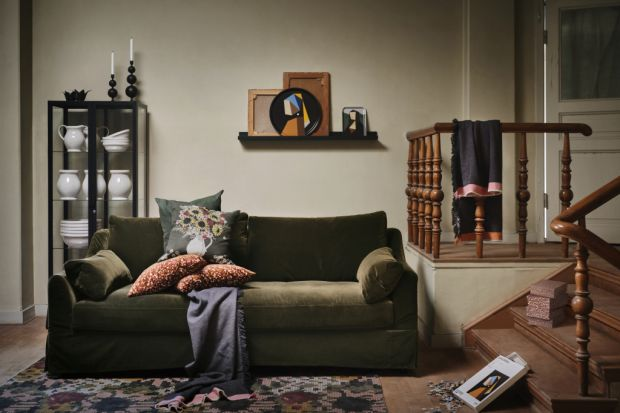 Tradycyjny styl i neutralne, ciepłe kolory, między innymi ciemnej zieleni i czerwieni oraz produkty inspirowane malarstwem holenderskich mistrzów. To wszystko znajdziecie w najnowszych, jesiennych propozycjach od IKEA.