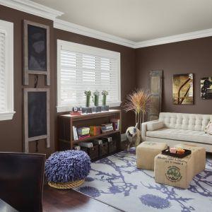 """Wodorozcieńczalna farba sufitowa """"INSL-X® Color Changing Ceiling Paint PC-1200"""" z innowacyjnym rozwiązaniem """"Disappearing Pink Color-Change Technology"""" podczas schnięcia zmienia kolor z różowego na biały. Cena: 229 zł/ 3,78 l. Fot. Benjamin Moore"""
