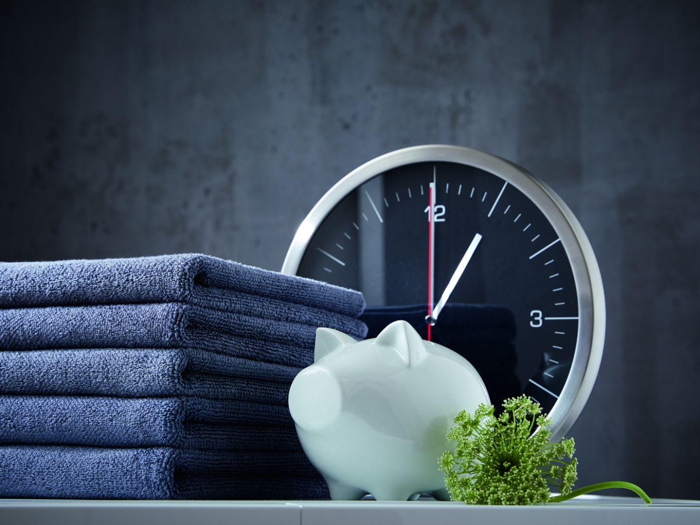 Funkcja AddLoad daje z kolei możliwość dokładania nawet dużych tkanin podczas całego cyklu prania. Fot. Miele