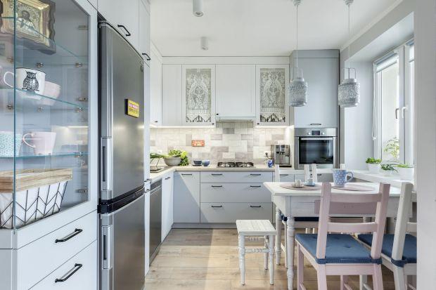Jak wybrać oświetlenie do kuchni? 10 dobrych projektów i poradnik
