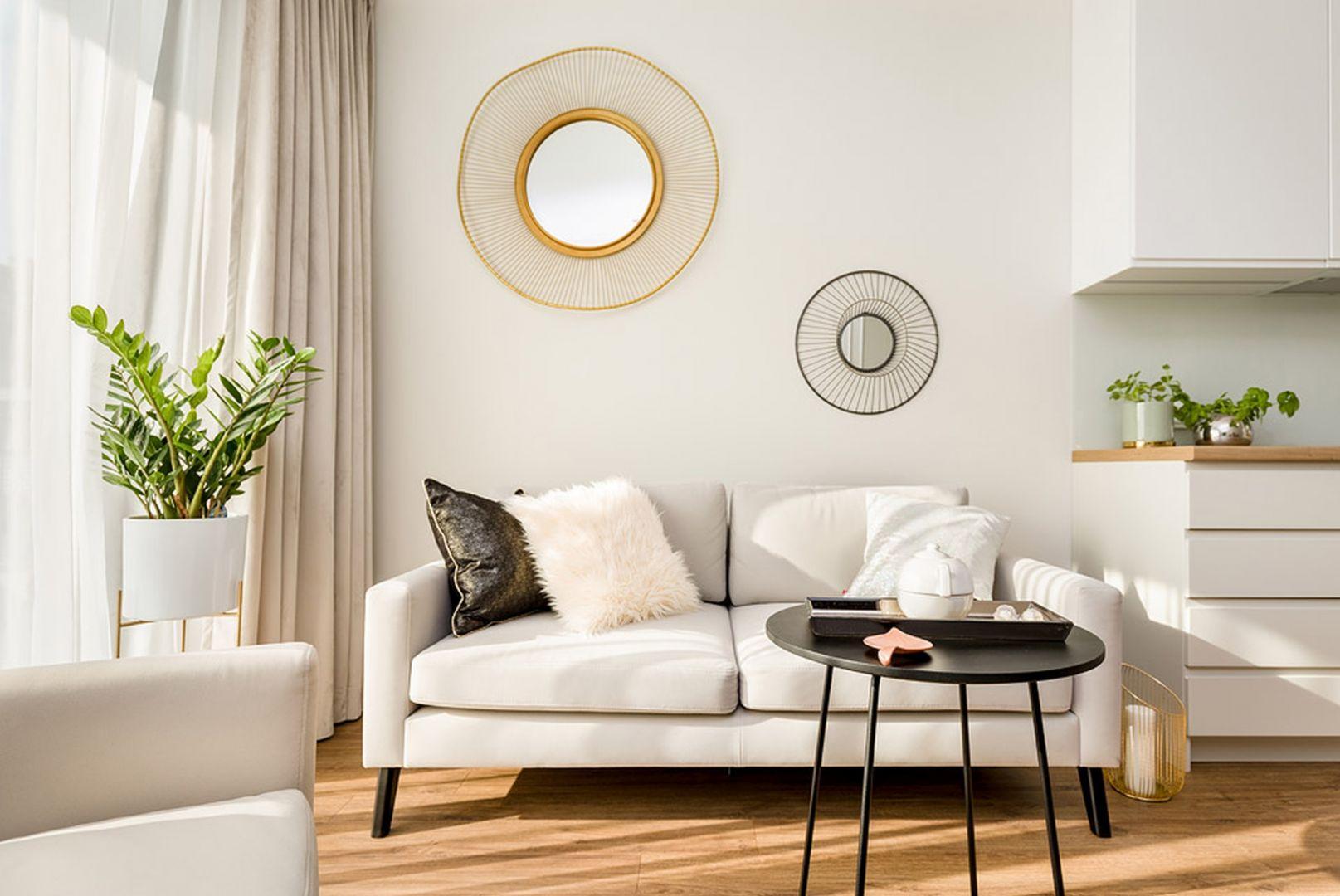 Lustro to obowiązkowy element każdego mieszkania. Projekt Joanna Nawrocka