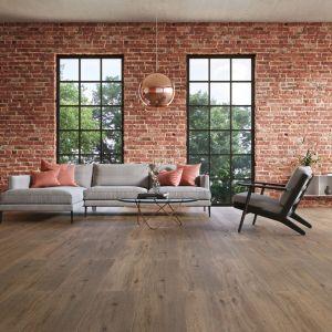 Nowoczesne panele winylowe stanowią idealny materiał do aranżacji podłogi zarówno we wnętrzach prywatnych, jak i komercyjnych. Na zdjęciu: panele z kolekcji wineo 500 xxx. Fot. Wineo