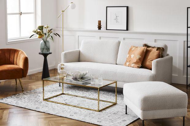 Złoty kolor w salonie - jak go stosować? Trzy ważne zasady, dużo inspirujących zdjęć