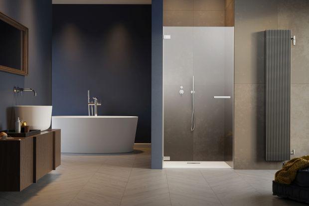 Urządzenie łazienki to nie lada wyzwanie. Pomieszczenie to często bywa ciasne i przez to nieustawne. Istnieją jednak sposoby, dzięki którym każde wnętrze – 3, 5 czy 10 metrowe – będzie praktyczne w użytkowaniu i stanie się doskonałym miejs