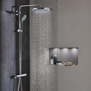 Dodatkowym atutem termostatycznych systemów prysznicowych marki GROHE jest wyposażenie ich w przycisk EcoButton, pozwalający na zmniejszenie użycia wody nawet o 50% (dostępny np. w systemie prysznicowym Euphoria System 310) .Fot. GROHE Euphoria System 310