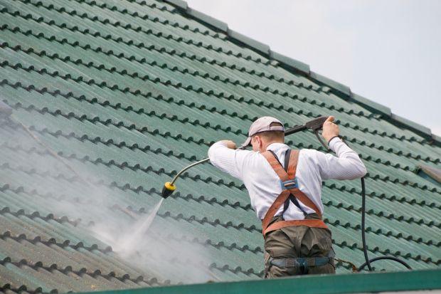 Jakdbać o pokrycia dachowe z blachy, aby jak najdłużej zachowywało trwałość i piękny wygląd? Przeczytajcie, co radzą eksperci.<br /><br />