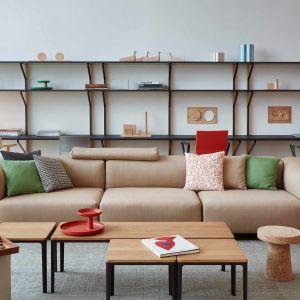 Sofa Soft Modular to projekt dla słynnej marki Vitra, za którym stoi znany designer z Wielkiej Brytanii, Jasper Morrison. Cena: od 18 tys. zł. Producent: Vitra