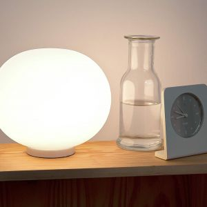 Kolekcja oświetlenia Glo-ball dla marki Flos. 1998 rok. Fot. Jasper Morrison Studio