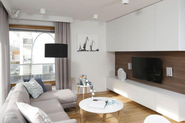 Jak urządzić strefę przechowywania w salonie? Jakie meble wybrać? Jakie szafki się sprawdzą? Zobaczcie kilka fajnych pomysłów idealnych do każdego salonu.