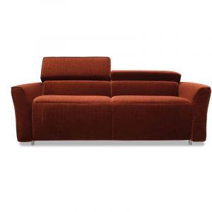 Sofa Nola ma ładny, prosty kształt. Cena od ok. 4.680 zł. Fot. Gala Collezione