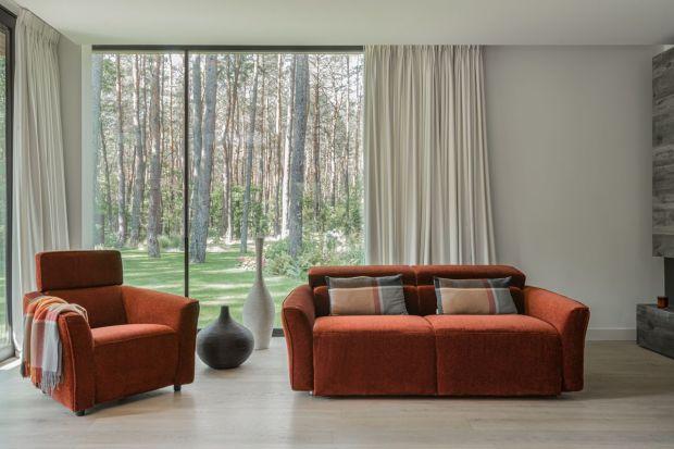 Jaką sofę wybrać do małego salonu? Polecamy świetny, gustowny model z wygodnąfunkcją spania.