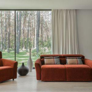 Sofa Nola to gustowny, elegancki meble, który zapewni popołudniowy relaks oraz wygodny, nocny wypoczynek. Cena od ok. 4.680 zł. Fot. Gala Collezione
