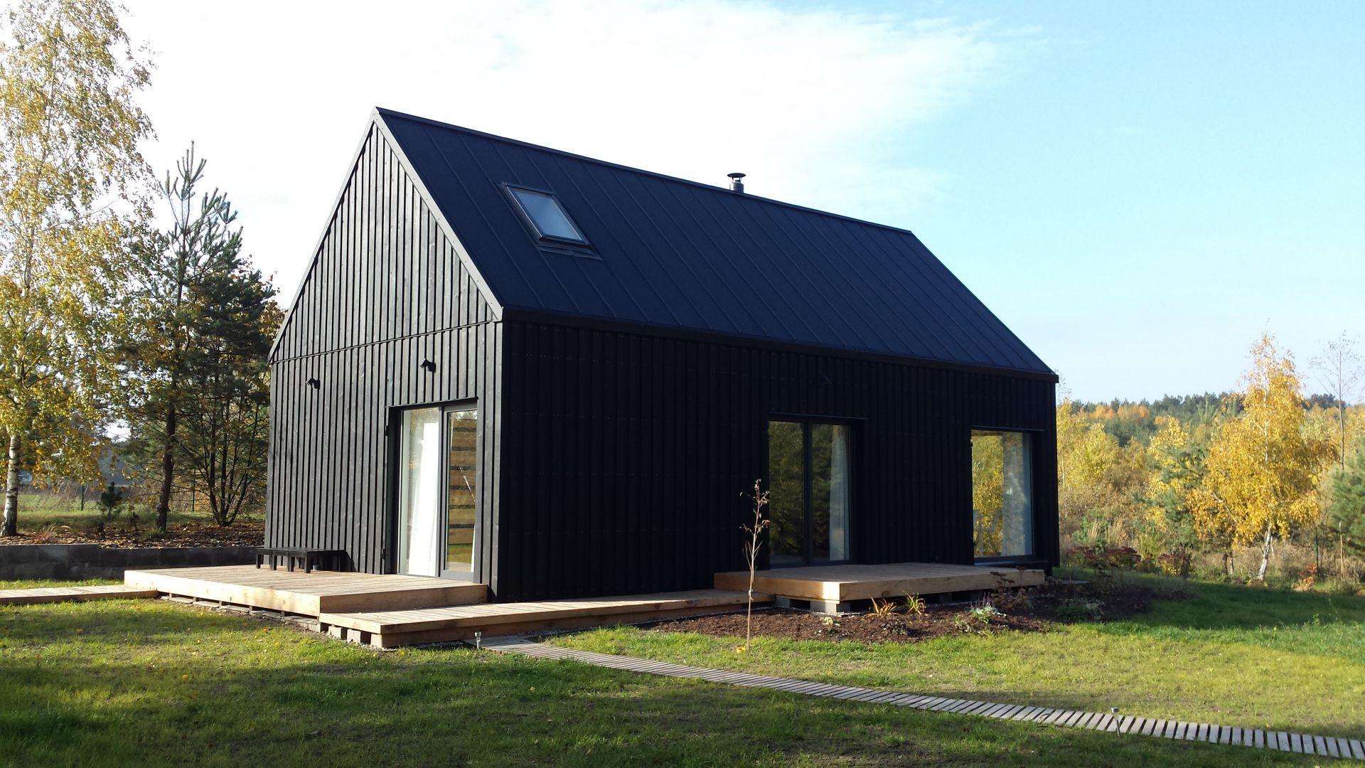 Coraz większą popularnością wśród inwestorów cieszą się projekty domów w typie nowoczesnej stodoły, inspirowane skandynawskim minimalizmem. Got. Galeco