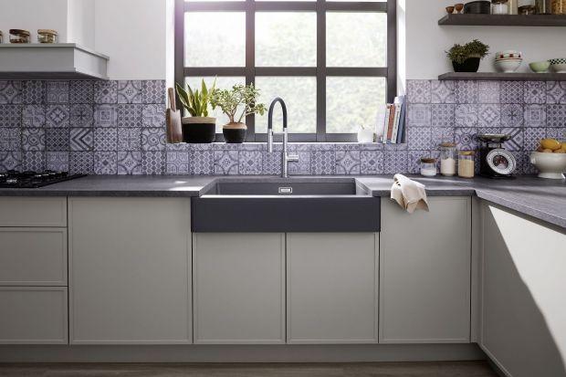 Stylizowany zlewozmywak to idealne rozwiązanie do kuchni urządzonej w stylu rustykalnym. Pięknie dopełni całą aranżację wnętrza.<br /><br /><br />