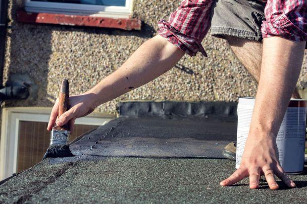 Dach z papy: naprawa i renowacja. Praktyczne wskazówki i zdjęcia