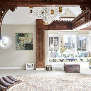 Ozdobą wnętrza jest przepiękna drewniana stolarka. Zdjęcia: Brown Harris Stevens, www.bhsusa.com. Źródło: TopTenRealEstateDeals.com