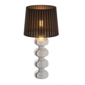 Lampa stołowa w kolorze czarnym z kryształkami, które rozpraszając światło, tworzą eleganckie wnętrze. Fot. Agata