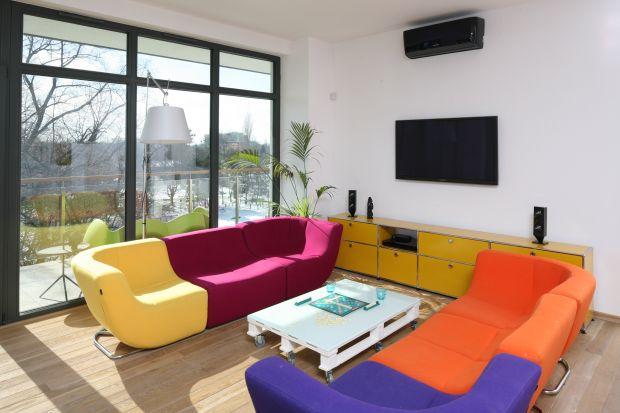 Jaki kolor wybrać do salonu? Zobaczcie kilka fajnych pomysłów.