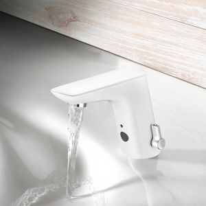 Dobrym przykładem tradycyjnej baterii umywalkowej stojącej jest bezdotykowy model BALANCE firmy KLUDI.
