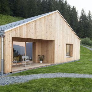 Drewniany i i w pełni ekologiczny dom w szwajcarskich Alpach. Projekt: Whitepod Eco-Chalets. Autorzy projektu: Montalba Architects