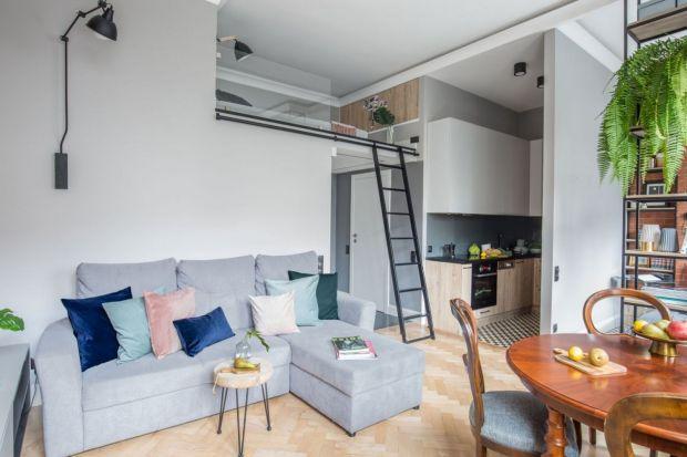 Jak urządzić mały salon ładnie i wygodnie?Podpowiadamy! Zobaczcie jak małe salony urządzili polscy architekci i projektanci wnętrz.