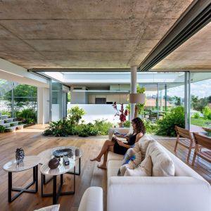 Garden House to dom, który dosłownie połączono z ogrodem. Projekt i zdjęcia: Christos Pavlou Architecture