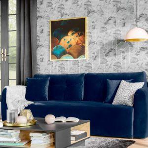 Przytulna granatowa sofa Divala z funkcją spania. Fot. Black Red White