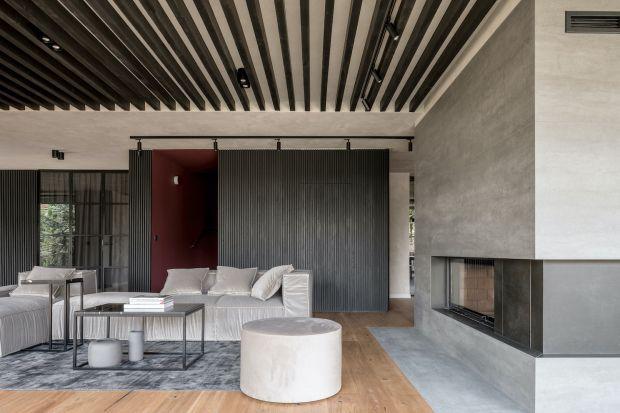 Dom na szczecińskim Osowiełączy elegancką i ponadczasową nowoczesność z dużą dozą przytulności.Udowadnia też, że modernizm niekoniecznie musi być zimny i bezosobowy.<br /><br />