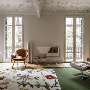 Flora to nowa kolekcja dywanów kultowej marki Nanimarquina, którą stworzył kataloński artysta Santi Moix. Te dywany to prawdziwe dzieła sztuki! Fot. Nanimarquina