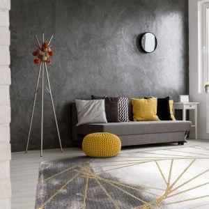 Dywan Craft Triangoli - nowoczesny, dwie tonacje szarości. marka Komfort. Fot. Komfort
