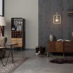 Meble do przechowywania z kolekcji Class dostępne w ofercie firmy Dutchbone. Cena: 6.599 zł (komoda), 6.799 zł (szafka). Fot. Dutchbone / BM Housing