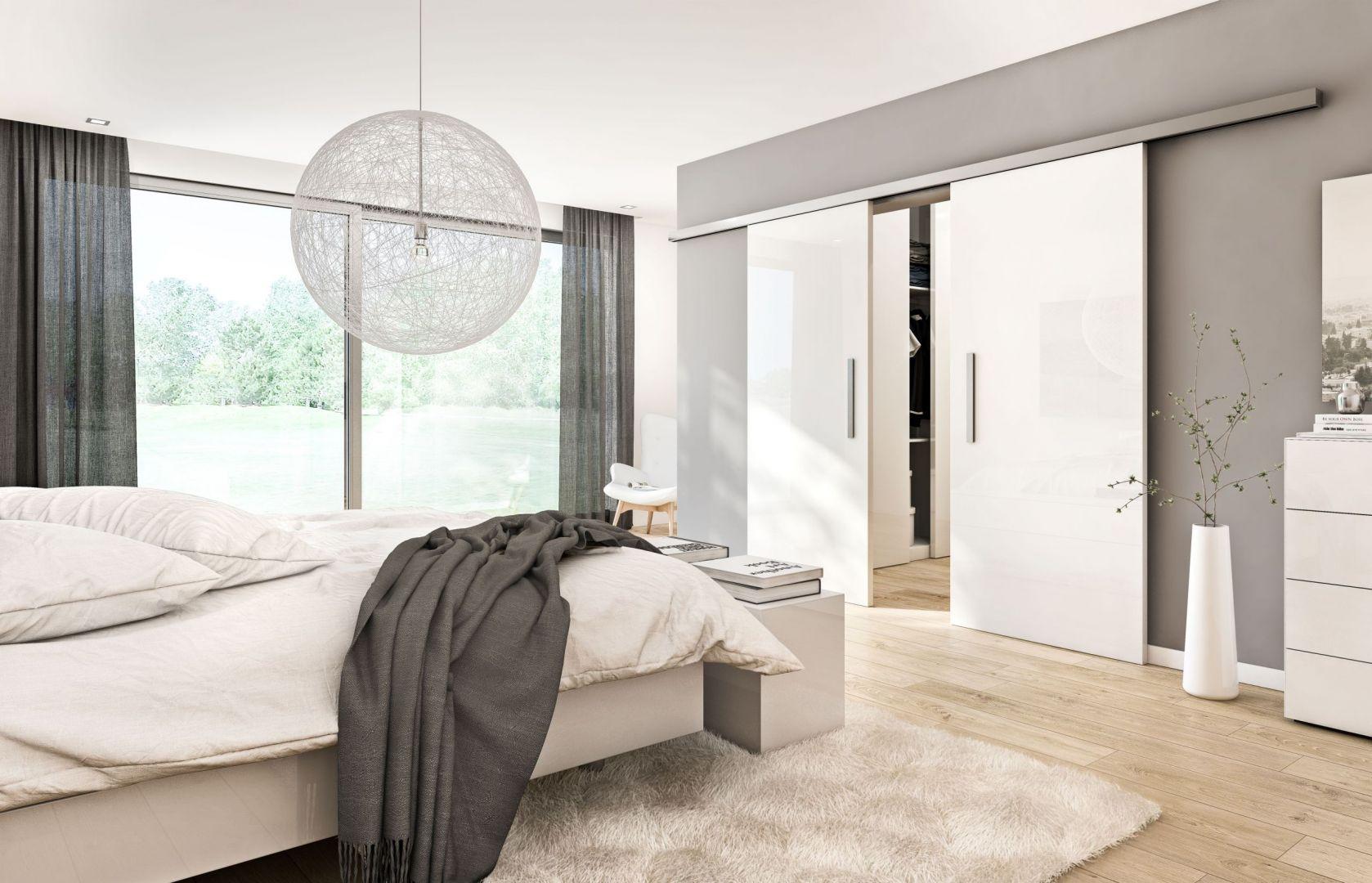 Drzwi przesuwne SlideCompact serii Concepto DesignLine z powierzchnią Duradecor dostępne w ofercie firmy Hörmann. Fot. Hörmann