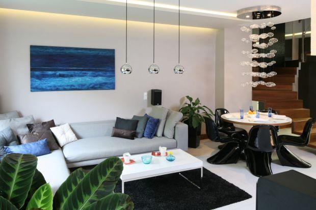 Przytulny salon: 12 jasnych, modnych wnętrz. Zobacz zdjęcia!