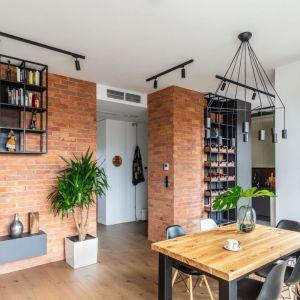 Mieszkanie w stylu hygge. Przytulny i urządzony w naturalnym stylu apartament na Bemowie. Projekt i zdjęcia: Decoroom