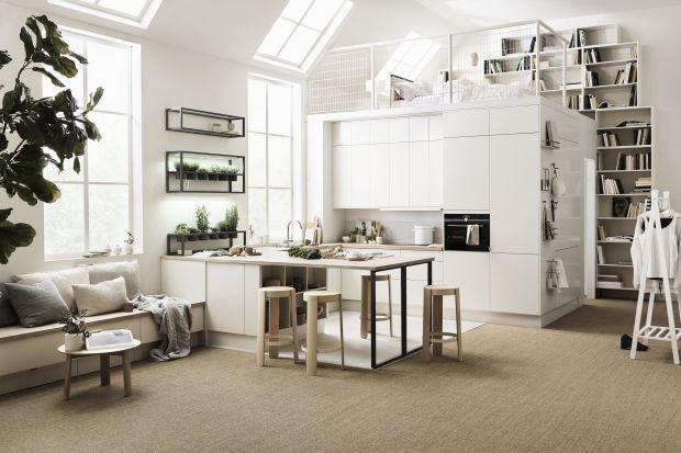 Dobrze się prezentuje na kuchennych frontach i jest gwarancją szykownego wnętrza, które oprze się upływowi czasu. Zobaczcie jak urządzić kuchnię w bieli.