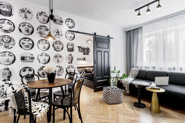To małe mieszkanie ma zaledwie 38 metrów kwadratowych. Urządzone jest jednak wygodnie, nowocześnie i z przymrużeniem oka. Zobaczcie sami!