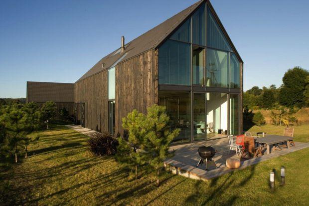 Na co zwrócić uwagę planując budynki typu modern barn, będące domami w stylu nowoczesnej stodoły? Podpowiadamy.