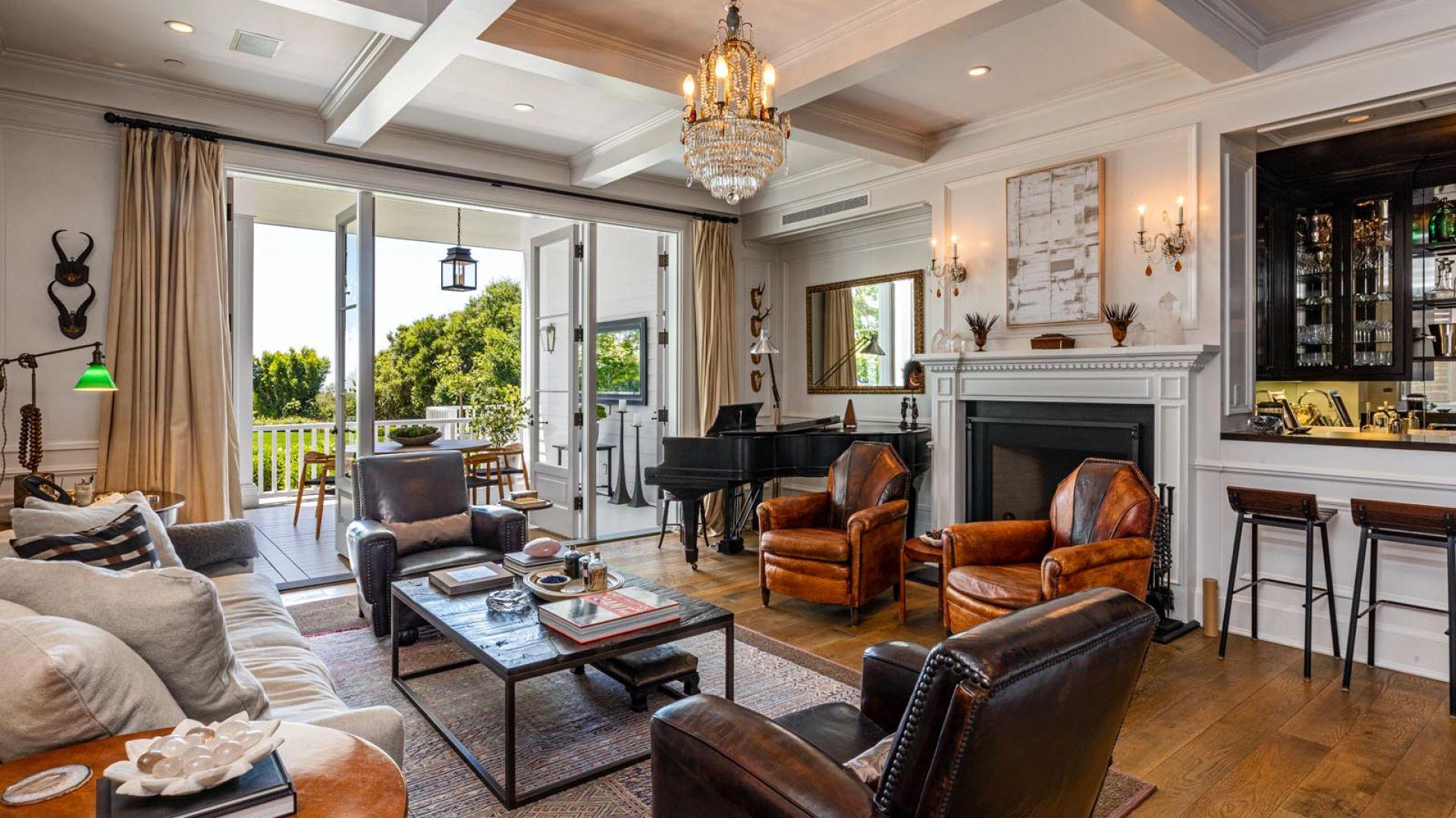 Rob i Sheryl Lowe pokazali, że cierpliwość to nie tylko cnota, ale często konieczność na dzisiejszym rynku luksusowych nieruchomości.