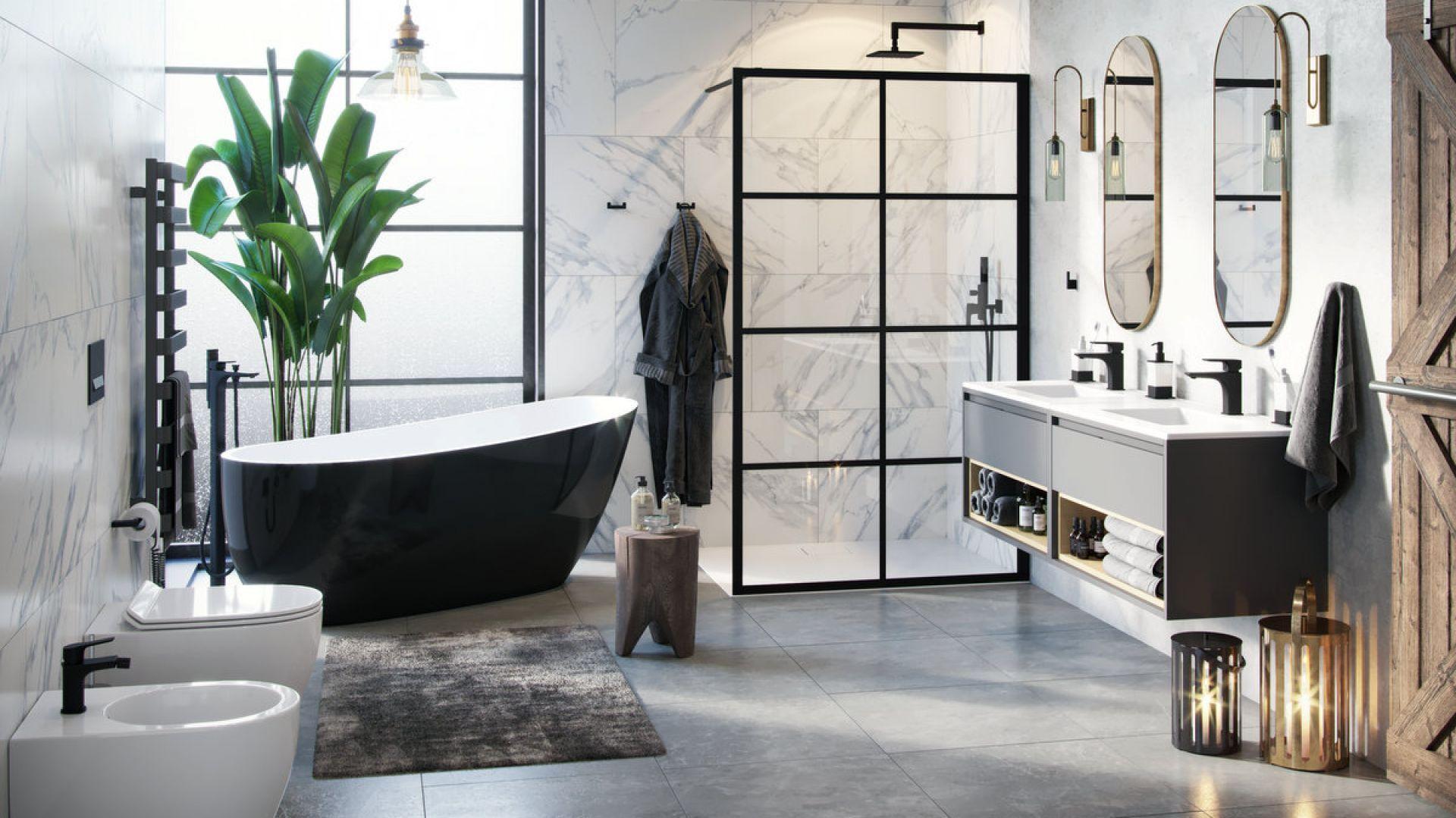 Łazienka z piękną wanną wolnostojącą. Na zdjęciu czarno-biały model Comfort marki Excellent. Cena: 4799 zł. Fot. Excellent