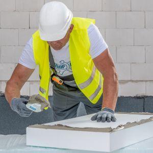 Warto zatem zacząć izolację od dachu, bo ciepło ucieka do góry, a następnie ocieplić ściany, bo to największa powierzchnia i podłogi. Fot. Styropmin