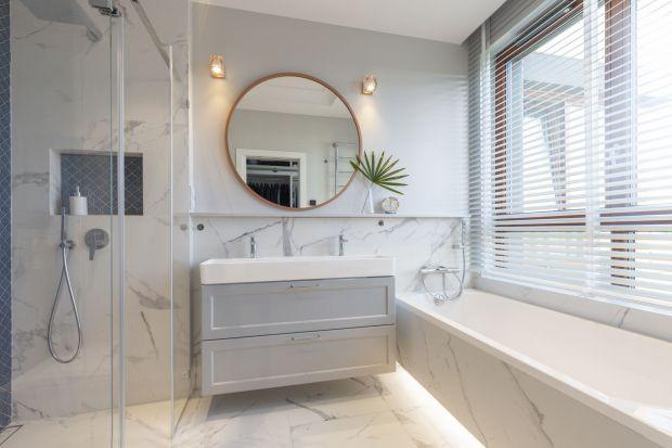 Jak urządzić jasną, nowoczesną łazienkę? Zobaczcie kilka fajnych pomysłów z polskich domów i mieszkań.