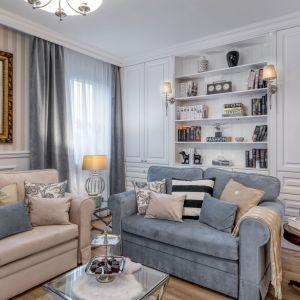 Bardzo stylowy salon - jego dopełnieniem są wzorzyste poduszki. Projekt Marta Piórkowska-Paluch. Fot. Andrzej Czechowicz